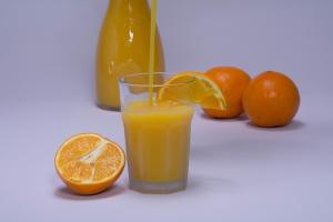 can dogs drink orange juice