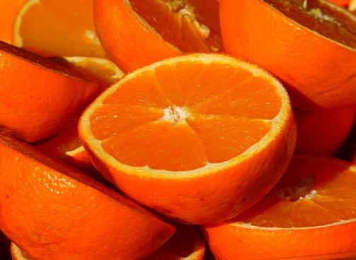 can guinea pigs eat oranges