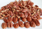 can dogs eat pecans